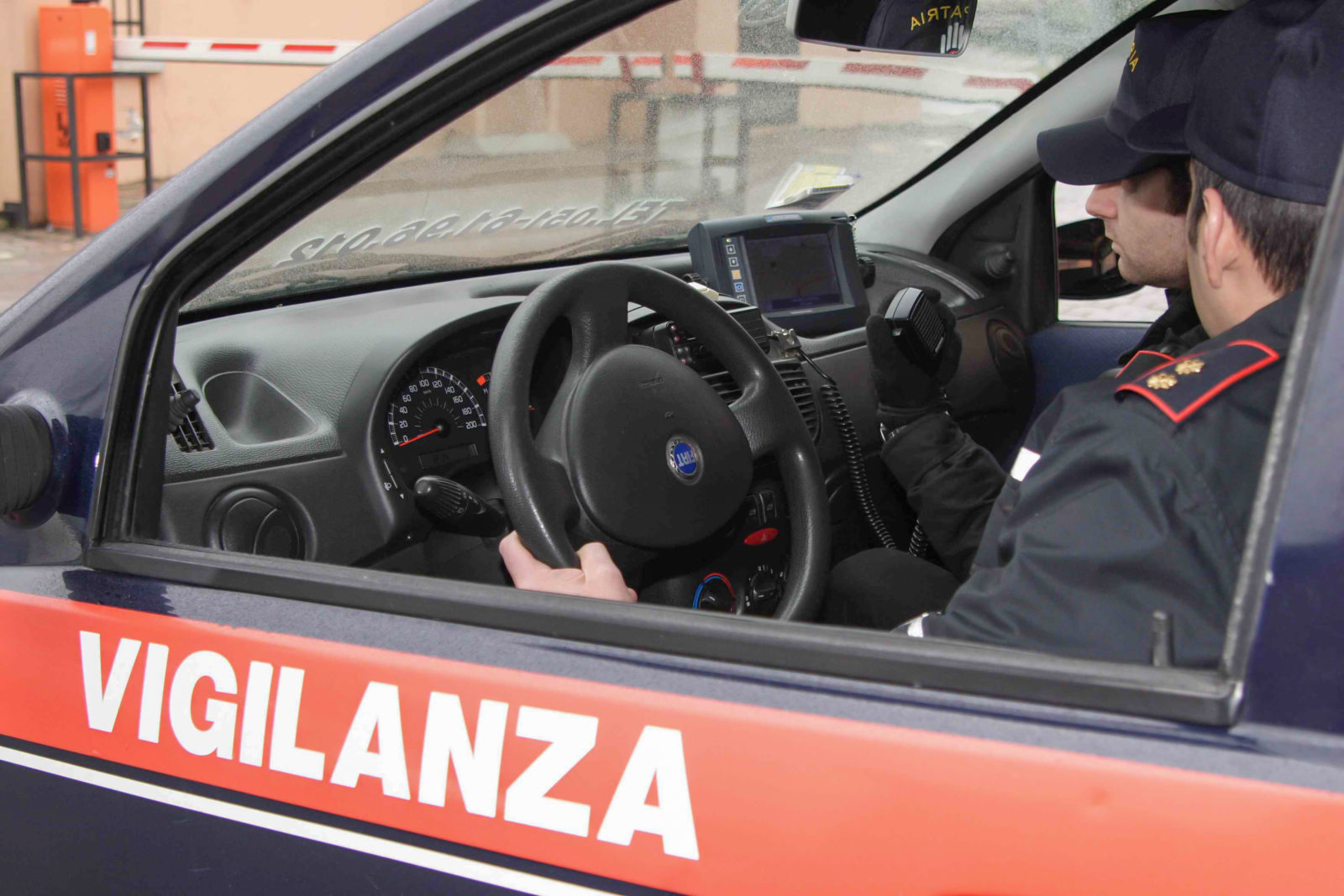 Bologna: i vigilantes ritrovano un'auto rubata dalla Carrozzeria FB
