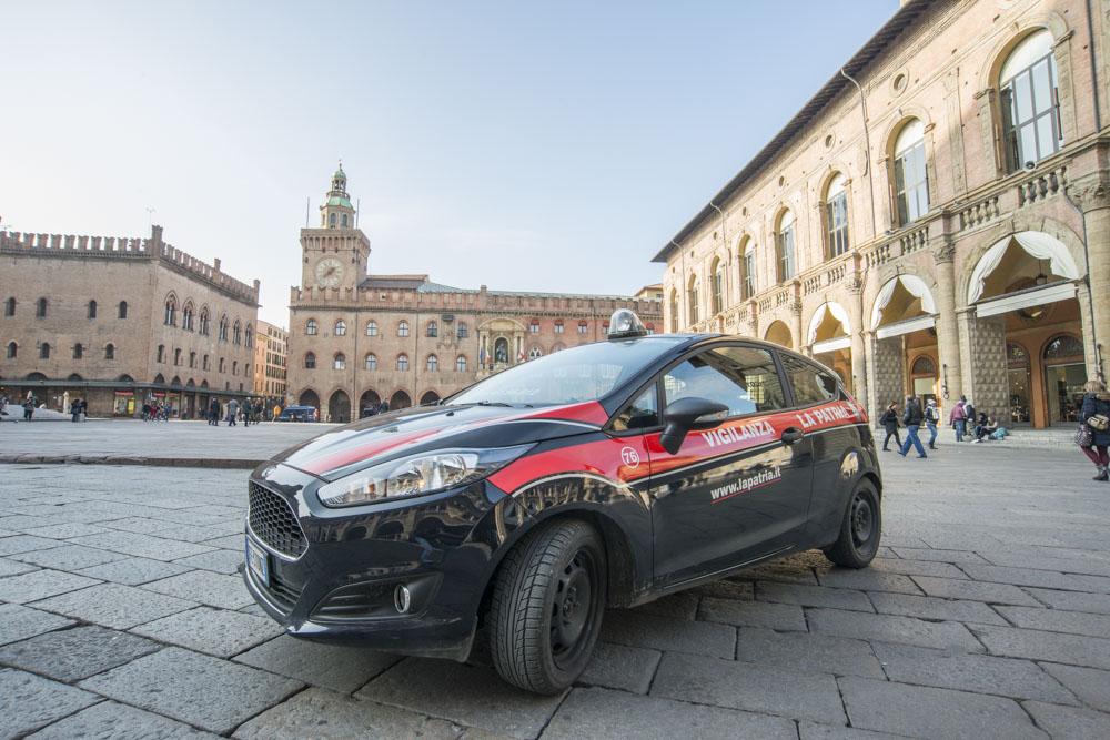 Bologna: inseguimento al Borgo Mascarella, fermato un malvivente