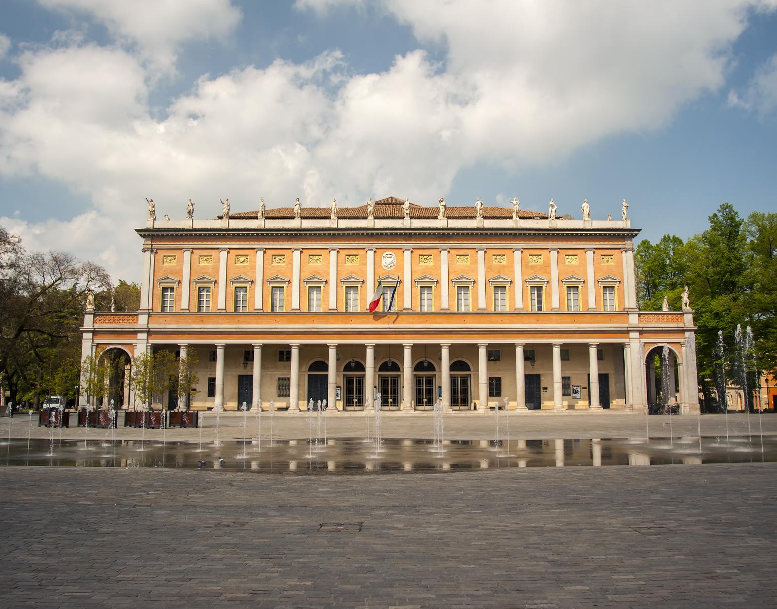 Ingresso principale Teatro Valli Reggio Emilia