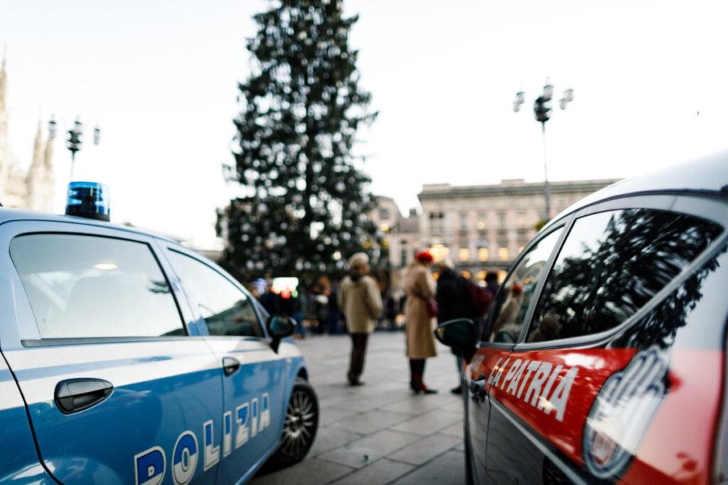 PAttuglie in piazza Duomo Milano Natale 2017
