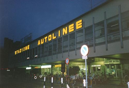 autostazione Bologna notte