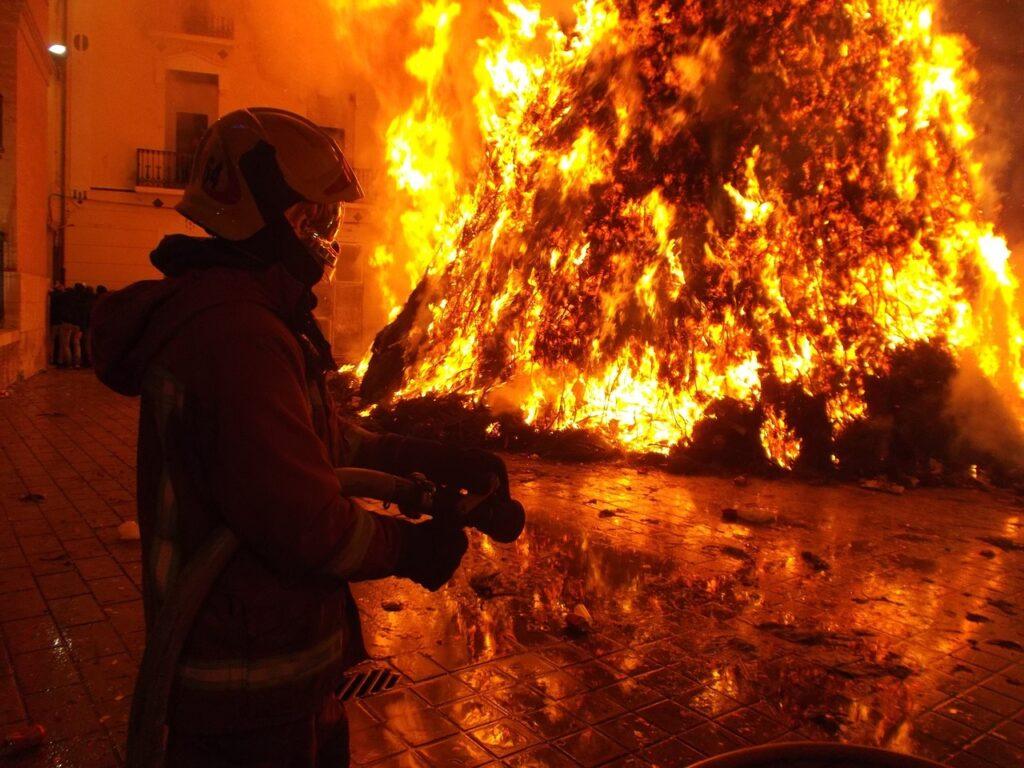 incendio e pompiere