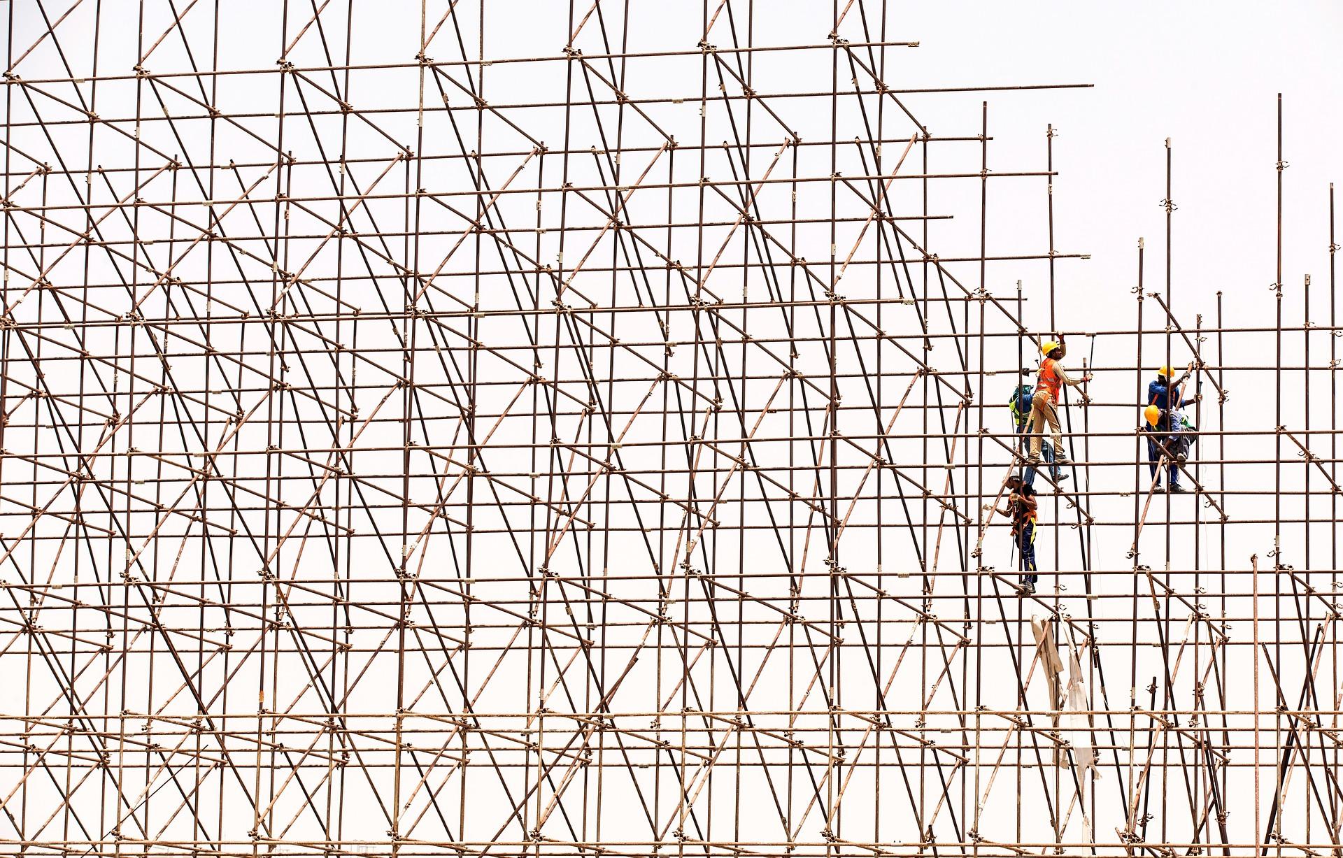 Ristrutturazioni e ponteggi in sicurezza: i servizi La Patria per il settore Edile e le gestioni condominiali